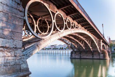 Turismo en Sevilla Puente de Isabel II Conocido como Puente de Triana