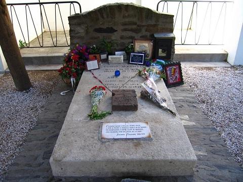 tumba antonio machado